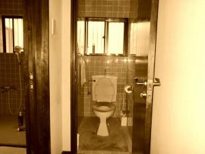 トイレ セピア